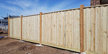 40m Timber Paling Fence with Capping & Exposed Posts 125x125mm in Beveridge